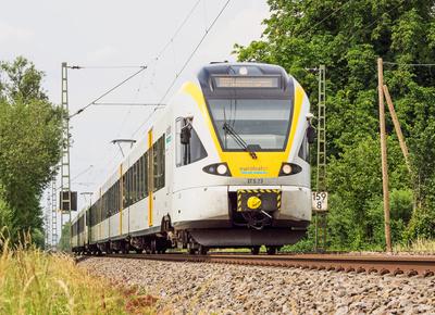 Regionalzug im Münsterland