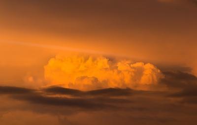 Wolkenberge im Abendlicht