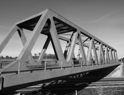 Eisenbahnbrücke in S/W