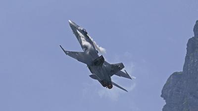 F18 im Steigflug
