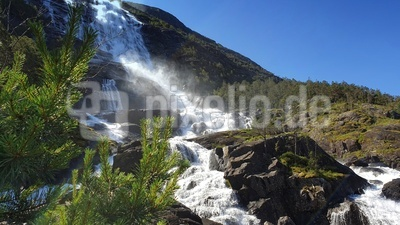 Wasserfall Langfossen-Natur pur