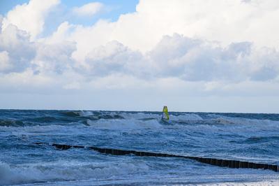 Kampf gegen die Wellen