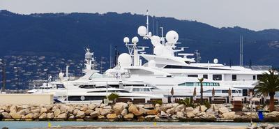 Am Yachthafen . . . . .