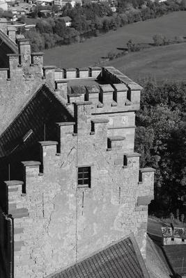 Burganlage in S/W