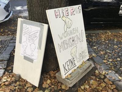 Protestschilder für Mietendeckel