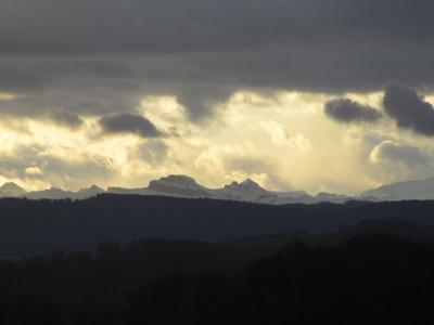 Blick in die Voralpen an einem Dezembermorgen