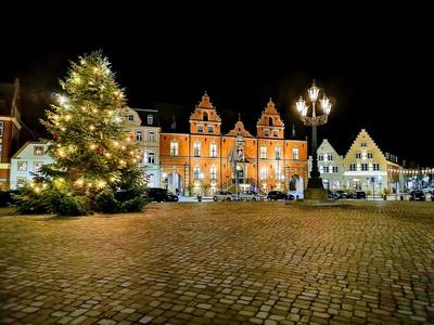 Weihnachtlicher Marktplatz