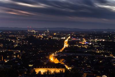 Lichter einer Stadt  2