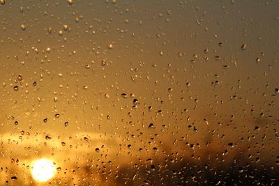 Regen bei Sonnenschein