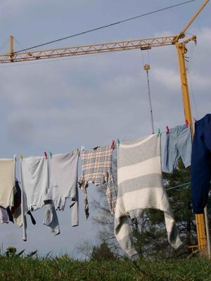 Waschtag: Wäsche an Wäscheleine