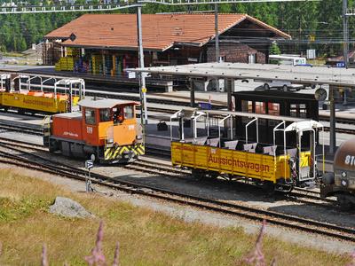 Im Bahnhof Pontresina . . . . . ,