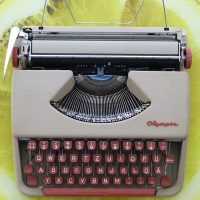 Schreibmaschine Olympia SF