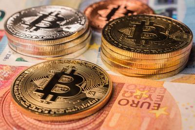 """Bitcoin und """"echtes"""" Geld"""