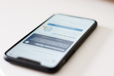 Corona App auf dem Smartphone