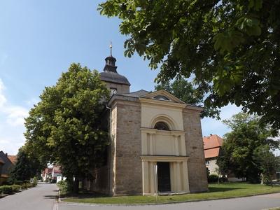 Kleine Kirche am Nachmittag