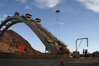 Hoover Dam Bypass Bridge / Colorado River Bridge im Bau