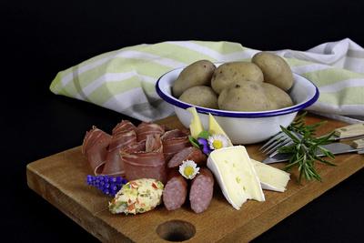 Pellkartoffeln mit Zutaten