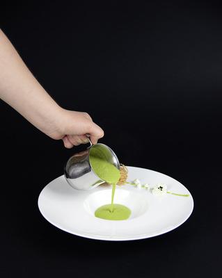 Erbsensuppe mit Frischkäsepraline