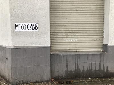 Streetart: Merry Crisis