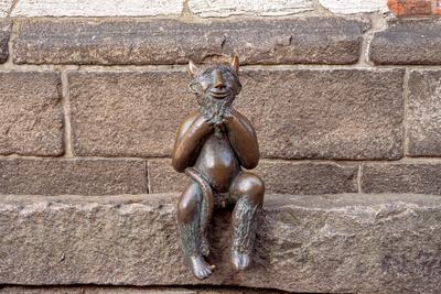 """Teufelchen auf dem """"Teufelsstein"""", Marienkirche Lübeck"""