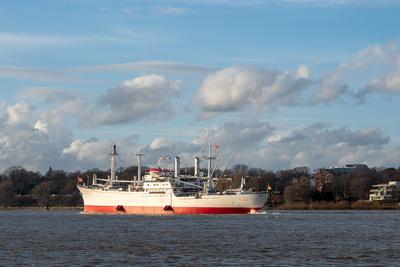 """Museumsschiff """"Cap San Diego"""" auf der Elbe unterwegs (1)"""