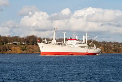 """Museumsschiff """"Cap San Diego"""" auf der Elbe unterwegs (2)"""